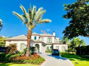 Our South Florida roofing company offers exceptional customer service, punctuality and competitive pricing.